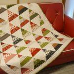 三角形のクリスマスツリーキルト(moda/MerryStartsHere)